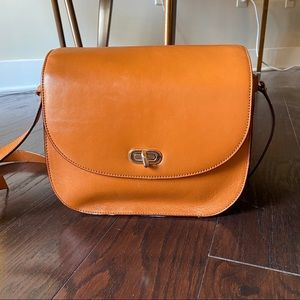 Lo & Sons The Claremont Crossbody